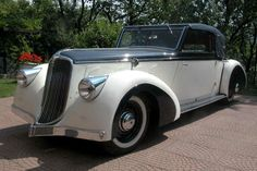 Tatra 52 by Sodomka ( unspecified year ) Vintage Cars, Antique Cars, Art Deco Car, Car Makes, Amazing Cars, Concept Cars, Cars And Motorcycles, Dream Cars, Mercedes Benz