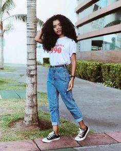 Vintage Outfits for larger women Vintage Outfits, Retro Outfits, Jean Outfits, Skirt Outfits, Stylish Outfits, Cute Outfits, Fashion Vintage, Outfits With Mom Jeans, Outfit Jeans