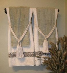 Like this idea for next to master bath bathtub. There are lots of other ideas f… Like this idea for next to master bath bathtub. There are lots of other ideas from this pin. Hang Towels In Bathroom, Bathroom Stuff, Bathroom Colors, Small Bathroom, Master Bathroom, Bathroom Ideas, Lavabo Vintage, Design Your Own Bathroom, Towel Display
