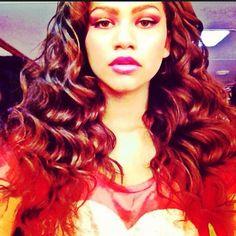 Zendaya Coleman- Her hair is beautiful!!!!!!!!!!!