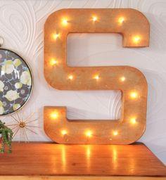Une lettre lumineuse géante en carton tuto - DIY luminous giant letter - Pure Sweet Home