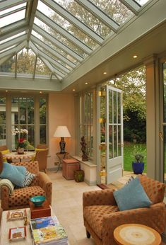 Example of downlighters placed around internal soffit of roof lantern Orangery Extension Kitchen, Orangerie Extension, Glass Roof Extension, House Extension Design, Garden Room Extensions, House Extensions, Conservatory Decor, Garage To Living Space, Roof Lantern