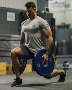 Wow, lunges never looked so good or inspired me as much.