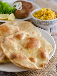 Tandoori Roti, Indian Food Recipes, Ethnic Recipes, Chapati, Calzone, Ciabatta, Nigella, Bread Recipes, Food And Drink
