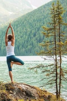 The app Pocket Yoga is the tool you need to stick to your yoga-related resolutions.