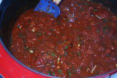 Easy Roasted Garlic Marinara (Oil-Free) I will be making this because we blow through marinara in our house! Marinara Recipe, Homemade Marinara, Homemade Spices, Marinara Sauce, Vegan Sauces, Raw Vegan Recipes, Vegan Vegetarian, Vegan Food, Italian Recipes