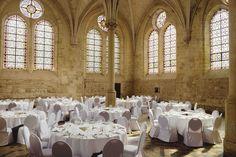 Avec une superficie de 555 mètres carré, le réfectoire des moines peut accueillir des réceptions de plus de 380 convives. © Jérôme Galland #Royaumont #abbaye #événement #event #séminaire