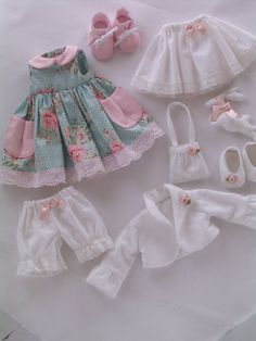 1 million+ Stunning Free Images to Use Anywhere Baby Doll Clothes, Doll Clothes Patterns, Barbie Clothes, Diy Clothes, Baby Outfits, Kids Outfits, Sewing Dolls, Fabric Dolls, Paper Dolls
