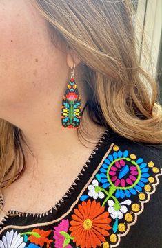 Jewelry Design Earrings, Beaded Earrings, Beaded Jewelry, Crochet Earrings, Handmade Jewelry, Mexican Embroidery, Brick Stitch, Classic White, Bead Weaving