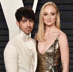 Joe Jonas and Sophie Turner are married! 💍🎉 The pair tied the knot in a surprise ceremony in Las Vegas after the Link in bio for… Miley Cyrus Nick Jonas, Corey Hawkins, Las Vegas, Kissing Booth, Sansa Stark, Joe Jonas, Jonas Brothers, Harry Potter Movies, Entertainment Weekly