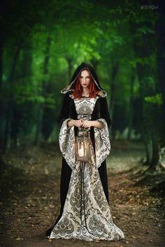 "gothicandamazing: "" model: Revena dress: Devilnight photographer: WikingArt - Fotografia Welcome to Gothic and Amazing | www.gothicandamazing.com """