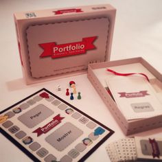 Portfoilio Simone L. Sperhacke (Self Promotion) on Packaging of the World - Creative Package Design Gallery Creative Cv, Creative Portfolio, Creative Package, Portfolio Ideas, Self Promotion Design, Promotion Ideas, Promotional Design, Resume Design, Professional Business Cards
