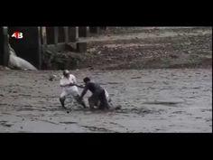 Pescador Musulmán sorprende a dos turistas y al resto del mundo en las r...