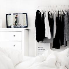 black and white bedroom Bedroom Inspo, Home Bedroom, Bedroom Decor, Bedrooms, Bedroom Ideas, Home Interior, Interior And Exterior, Interior Decorating, Decoration Inspiration