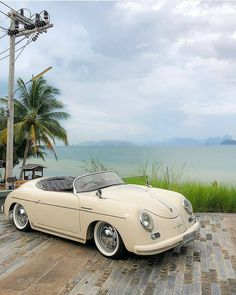 Old Vintage Cars, Old Cars, Antique Cars, Vintage Coat, Dream Cars, My Dream Car, Pretty Cars, Cute Cars, Wolkswagen Van