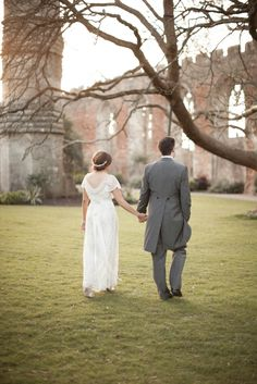 The Bishops Palace | Wells | Kerry Bartlett Photography | Bride & Groom | Wedding Photography