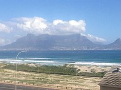 One bedroom apartment, secure on the floor with amazing sea views on the oce. One bedroom apar Commercial Property For Rent, One Bedroom Apartment, The 4, South Africa, Flooring, Oceans, Amazing, Modern, Travel