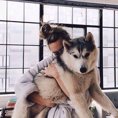 Man and a husky cute! Cute Puppies, Cute Dogs, Dogs And Puppies, Doggies, Animals And Pets, Baby Animals, Cute Animals, Nature Animals, Tier Fotos