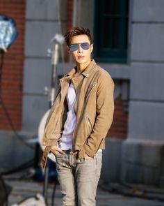 Yixing during Ray-Ban CF filming Shinee, Jonghyun, Yixing Exo, Chanyeol Baekhyun, Kdrama, 5 Years With Exo, Kim Jong Dae, Exo Official, Exo Ot12