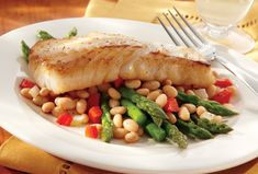 Learn how to make delicious White Beans with Asparagus.