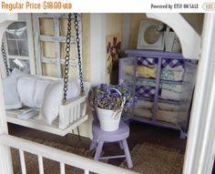 Aniversario venta lavanda casa de muñecas silla y cubo de Metal llenaron con verdadera lavanda y flores-1:12 escala de RibbonwoodCottage en Etsy https://www.etsy.com/mx/listing/278365218/aniversario-venta-lavanda-casa-de