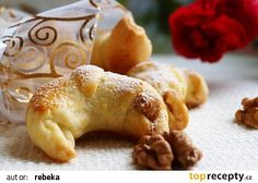 Martinské rohlíčky recept - TopRecepty.cz Czech Recipes, Russian Recipes, Little Kitchen, Holiday Dinner, Christmas Holiday, Croissants, Creative Food, Bagel, Doughnut