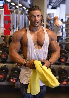 BESTMUSCLEMEN : Photo