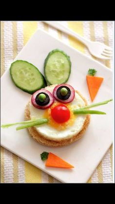 Easter bunny - sunny side up sandwich == so cute! by Smita o.- Easter bunny – sunny side up sandwich == so cute! by Smita of LittleFoodJunctio…. Easter bunny – sunny side up sandwich == so cute! by Smita of LittleFoodJunctio… - Easter Recipes, Baby Food Recipes, Rabbit Recipes, Bread Recipes, Toddler Meals, Kids Meals, Cute Food, Good Food, Funny Food