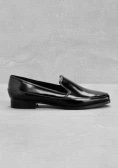 Featuring+clean+and+structured+lines,+these+tomboy+loafers+have+both+masculine+and+feminine+qualities,+creating+an+elegant+and+contemporary+shoe.