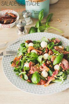 Moi, gourmande ?: Salade de mâche {Bacon, mozza, tomates confites...} Mozzarella, Bacon, Cobb Salad, Lunch, Cooking, Barbecue, Balsamic Vinegar, Greedy People, Cooker Recipes