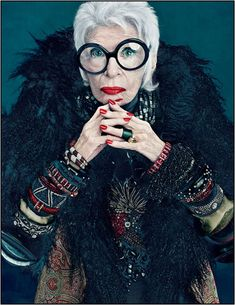 Trendy Yet Timeless: Iris Apfel Colour Collection for MAC. Products included in the Iris Apfel for MAC collection, including pricing and availability dates. Iris Apfel Documentary, Iris Apfel Quotes, Look Fashion, Fashion News, Iris Fashion, Fashion Beauty, Beauty Style, Fashion Style Quotes, Friday Fashion Quotes