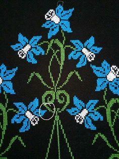Seccade küpeli Cross Stitch Rose, Cross Stitch Flowers, Cross Stitch Charts, Cross Stitch Designs, Cross Stitch Embroidery, Cross Stitch Patterns, Needle And Thread, Blackwork, Needlework