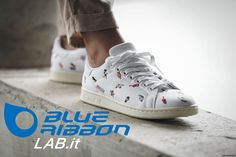 Classic Stan Smith shoe for women made in canvas and embellished with tiny embroidered summer illustrations. Stan Smith Shoes, Adidas Stan Smith, Adidas Originals, Adidas Sneakers, Women, Style, Fashion, Adidas Tennis Wear, Adidas Shoes