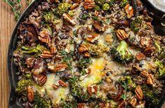 Vegetarian Chili Easy, Vegetarian Recipes, Chili Recipes, Soup Recipes, Cheesy Broccoli Casserole, Pumpkin Curry, Bean Enchiladas, Spinach Egg