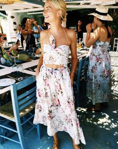 Trendy Ideas For Summer Outfits : Holiday Packing Panic? What to Wear to Hottest Travel Destinations Style Outfits, Summer Outfits, Summer Dresses, Fashion Outfits, Fashion Clothes, Gypsy Look, Bohemian Mode, Look At You, Holiday Dresses