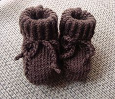 """The Knit Nook: Ruth's """"Perfect"""" Baby Booties - *pattern"""