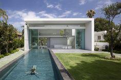 Casa entre 2 Jardines / Pitsou Kedem Architects