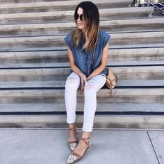Blue + white today with @thriftsandthreads in our women's Ripped white skinny jeans