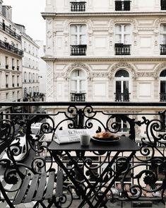 Weekend Favorites: Paris, My Recipes & Lovely Links. The Places Youll Go, Places To Go, Tuileries Paris, Little Paris, Belle Villa, Belle Photo, Parisian, Beautiful Places, Around The Worlds