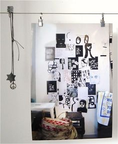 Vosgesparis.com studio picture rail with clips to hang pictures