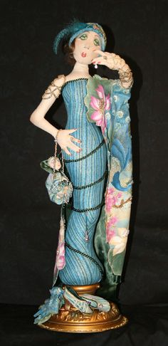 """1st Place 2008 Hoffman Challenge  """"Madame Peacock""""                          Patricia Wormuth                      Applegate, OR"""