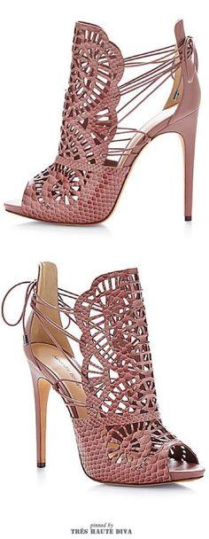 Christian Louboutin Croc Lurex So Kate Silver Pumps Dream Shoes, Crazy Shoes, Me Too Shoes, Hot Shoes, Women's Shoes, Shoe Boots, Fall Shoes, Pretty Shoes, Beautiful Shoes