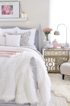 This is such a fun time of year to decorate! I love the traditional colors of fall; rich brown, orange, yellow, and red. I also appreciate the neutral decorating style using white pumpkins and the colors of green, tan, and creams. My bedroom is white, grey, and blush, which seems a bit uncon