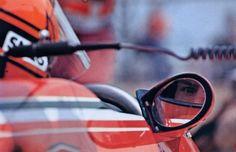 """En af Michel Collets skulpturer var rød med en lille gul stump logo og teksten """"Gilles"""" – det var venstre side af siddebrønden på en Ferrari 312 T4 fra 1979. Gilles Villeneuve ble…"""