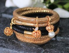 Get inspired by this beautiful fashionable bracelets . #instafashion #lookoftheday #lookbook #whatiwore #fashion diaries #instastyle #jewelry #streetstyle  #trend