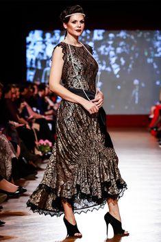 Maria, Regina Inimilor Fashion Show by Liza Panait Fashion Show, Collection, Dresses, Runway Fashion, Vestidos, Dress, Dressers, Gowns, Robe