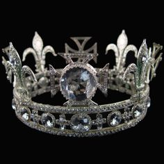 Queen Mary's Circlet - 1911 (Image & Source: andrejkoymasky.com)
