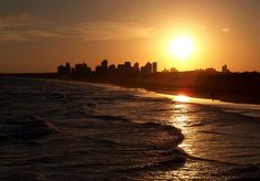 Atardecer en Necochea, Argentina desde la escollera Sur
