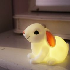 Pikkupupu valaisin. baby bunny night light