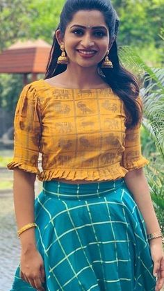 Best Picture For silk saree blouse designs For Your Taste You are looking for something, and it is g Sari Design, Frock Design, Choli Blouse Design, Kurta Neck Design, Saree Blouse Neck Designs, Kurta Designs, Lehenga Designs, Kids Blouse Designs, Kurti Designs Party Wear